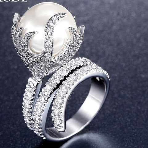 Fire Shaped Zirconia Pearl Ring