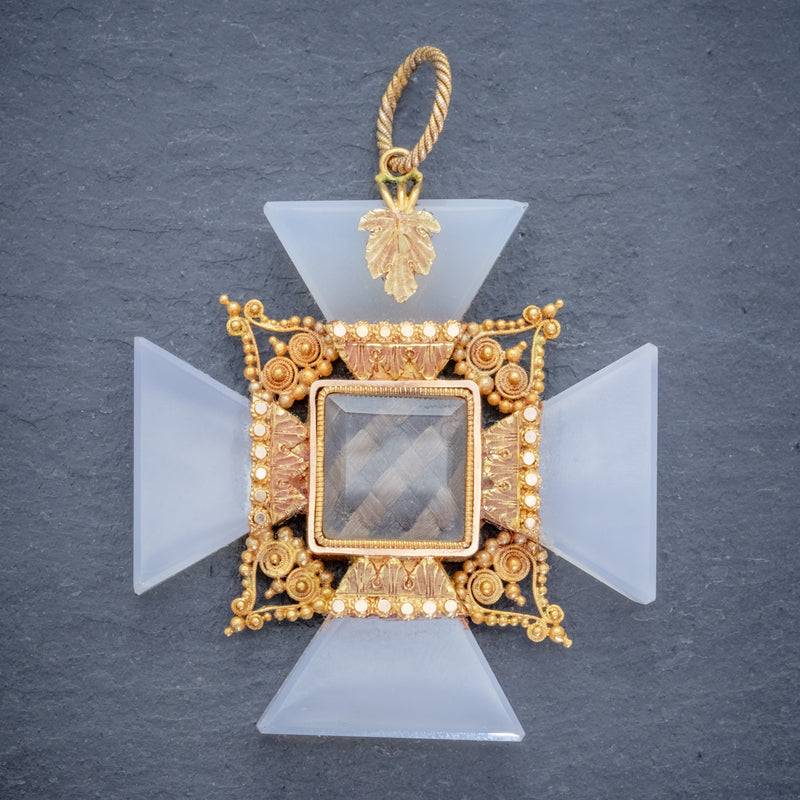ANTIQUE VICTORIAN MOURNING CROSS PENDANT ETRUSCAN REVIVAL AGATE 18CT GOLD CIRCA 1850 FRONT