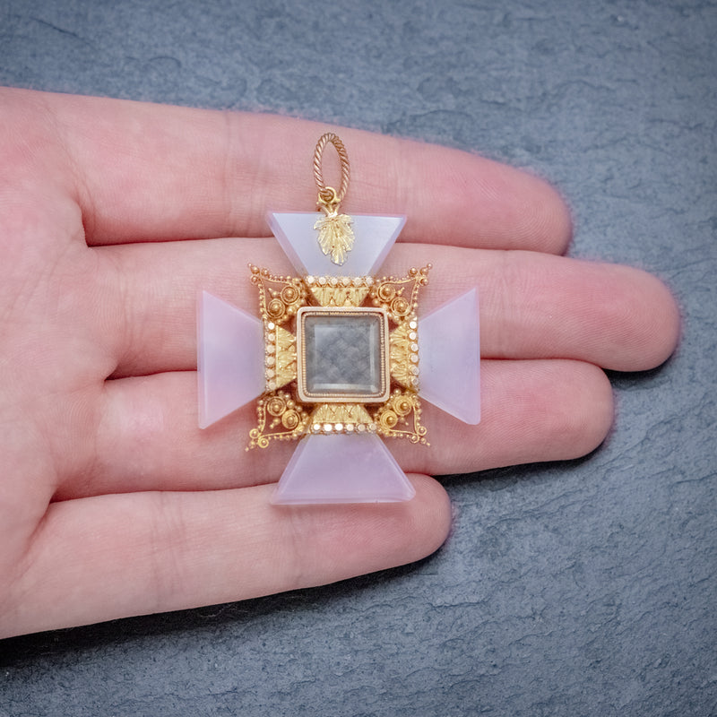 ANTIQUE VICTORIAN MOURNING CROSS PENDANT ETRUSCAN REVIVAL AGATE 18CT GOLD CIRCA 1850 HAND
