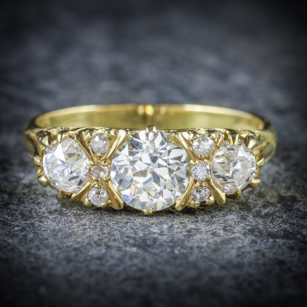 ANTIQUE VICTORIAN DIAMOND RING 18CT GOLD 2.20CT DIAMONDS FRONT