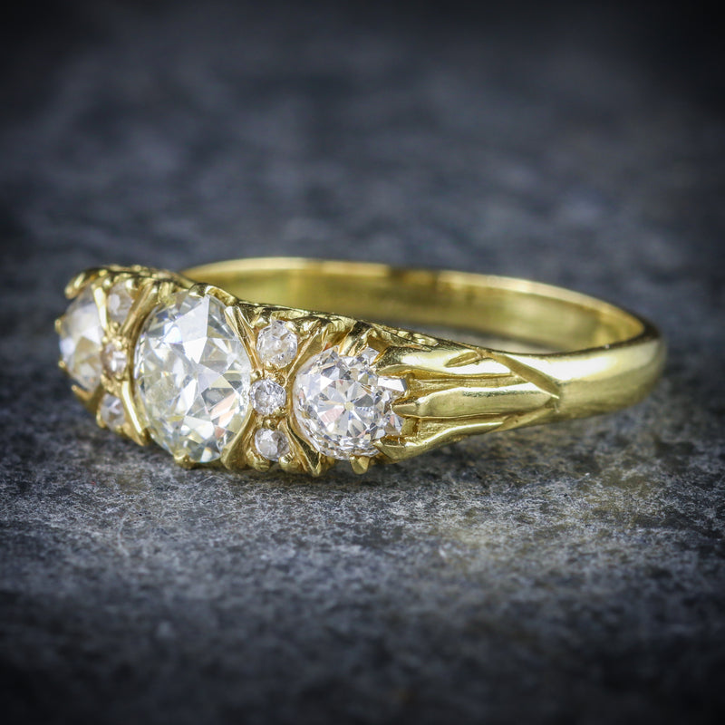 ANTIQUE VICTORIAN DIAMOND RING 18CT GOLD 2.20CT DIAMONDS SIDE