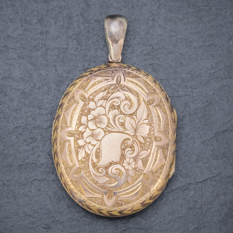 Antique Victorian Engraved Locket 18ct Gold Back And Front Circa 1880 BACK