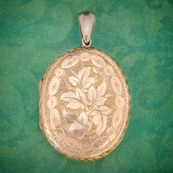 Antique Victorian Engraved Locket 18ct Gold Back And Front Circa 1880 COVER