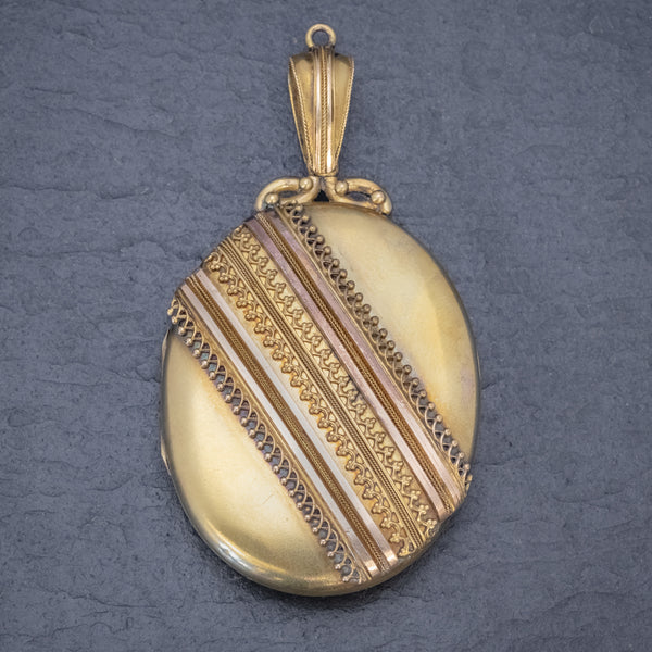 Antique Victorian Etruscan Revival Locket 18ct Gold Circa 1880  FRONT
