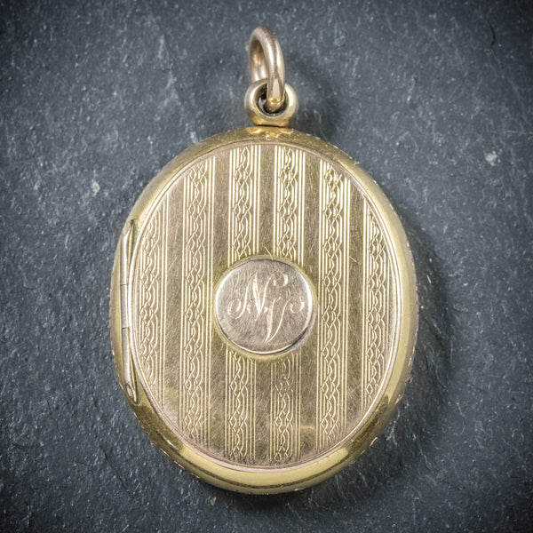 Antique Victorian Gold Family Locket Circa 1900 FRONT