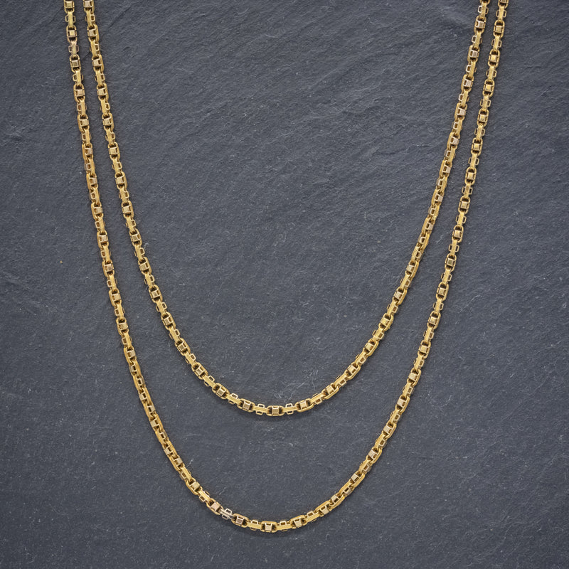 ANTIQUE VICTORIAN GUARD CHAIN 15CT GOLD LINK NECKLACE CIRCA 1880 NECK