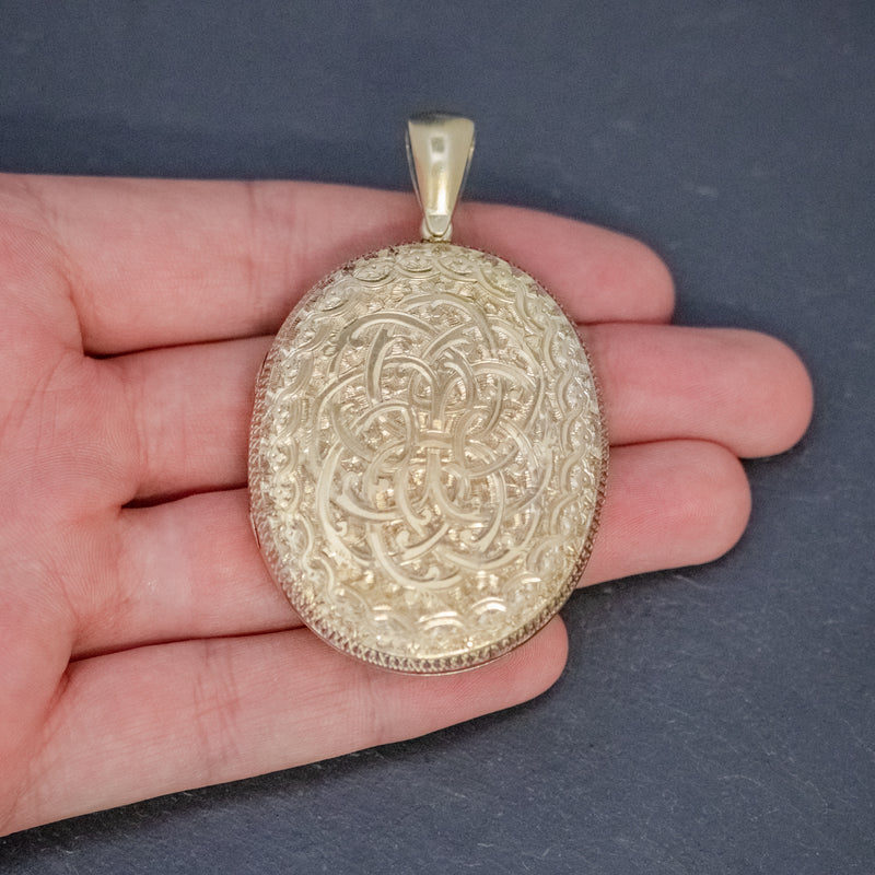 ANTIQUE VICTORIAN LOCKET SILVER GOLD GILT FORGET ME NOT CIRCA 1880 hand