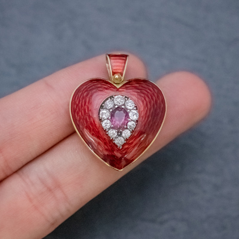 ANTIQUE VICTORIAN RUBY DIAMOND RED GUILLOCHE ENAMEL HEART PENDANT LOCKET 18CT GOLD HAND