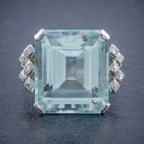 ART DECO AQUAMARINE DIAMOND RING PLATINUM 25CT EMERALD CUT AQUA CIRCA 1930 FRONT