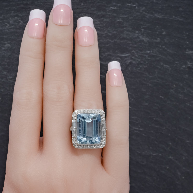 ART DECO AQUAMARINE RING PLATINUM 18CT AQUA CIRCA 1930 HAND