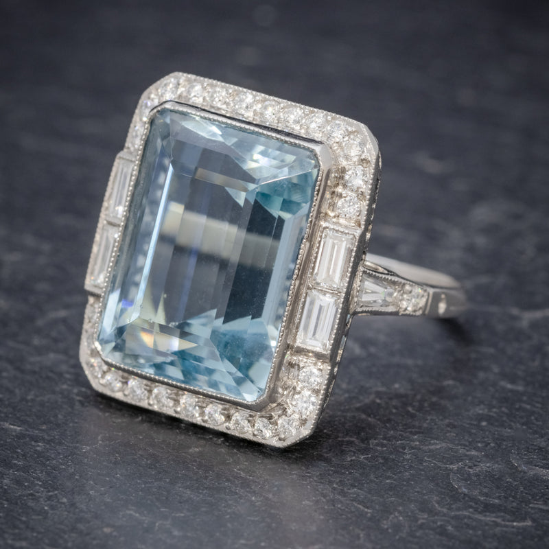 ART DECO AQUAMARINE RING PLATINUM 18CT AQUA CIRCA 1930 SIDE