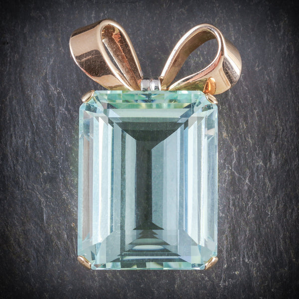 ART DECO AQUAMARINE PENDANT 18CT GOLD CIRCA 1920 FRONT