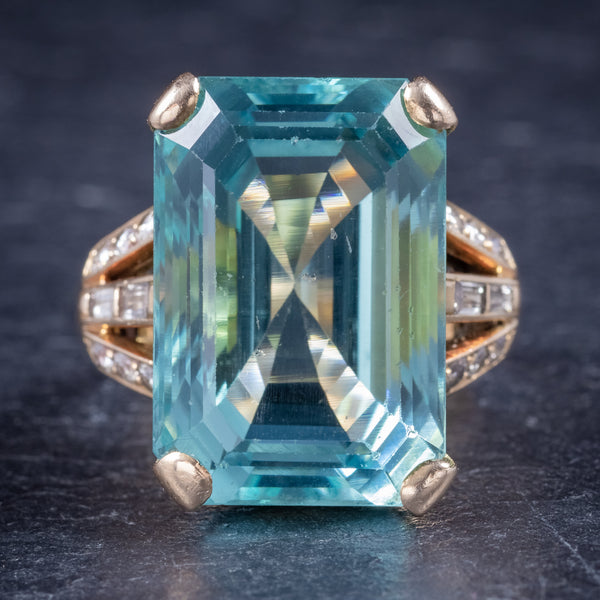 Art Deco Aquamarine Ring 18ct Gold 28ct Aqua front