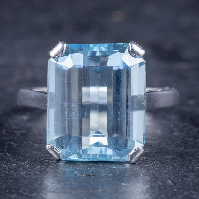 Art Deco Aquamarine Ring 18ct Gold Platinum 9ct Aqua Circa 1930 front