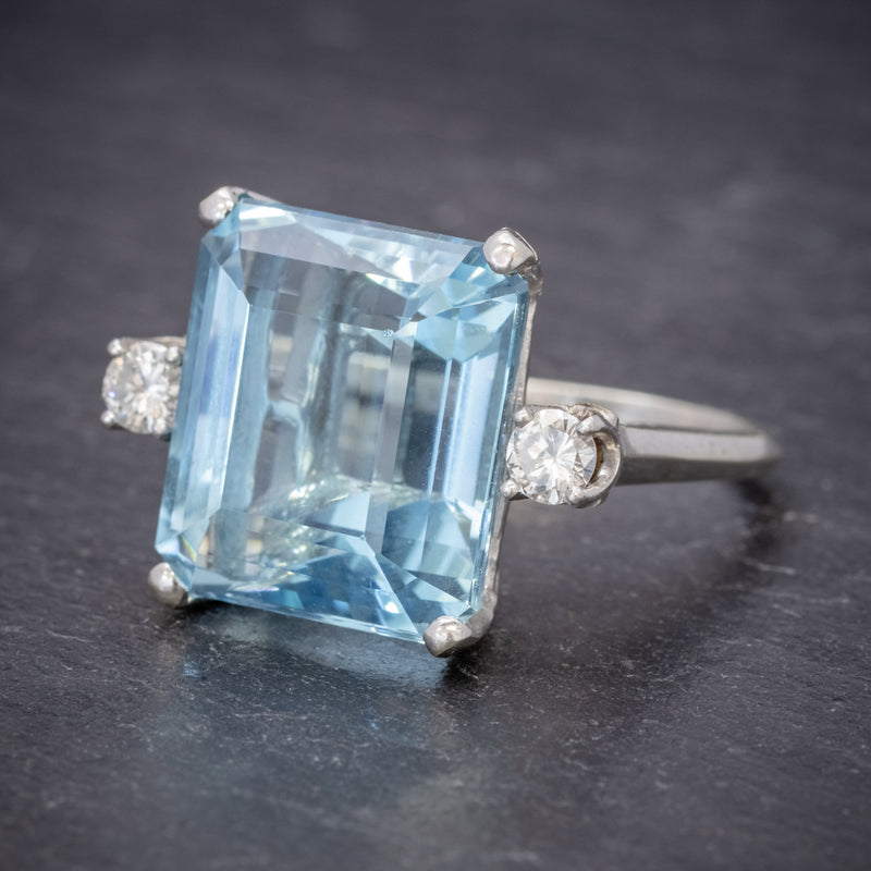 ART DECO AQUAMARINE RING 18CT WHITE GOLD 17.5CT AQUA CIRCA 1920 SIDE1