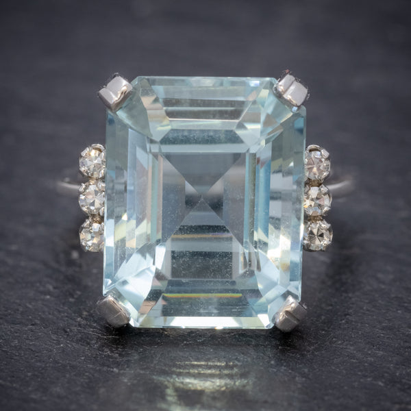 ART DECO EMERALD CUT AQUAMARINE RING 18CT GOLD 7CT AQUA CIRCA 1930 FRONT