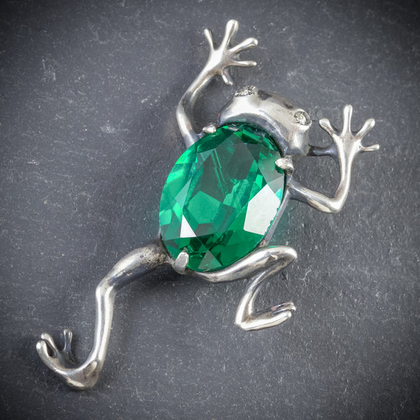 ART DECO FROG BROOCH GREEN GLASS SILVER CIRCA 1920 FRONT