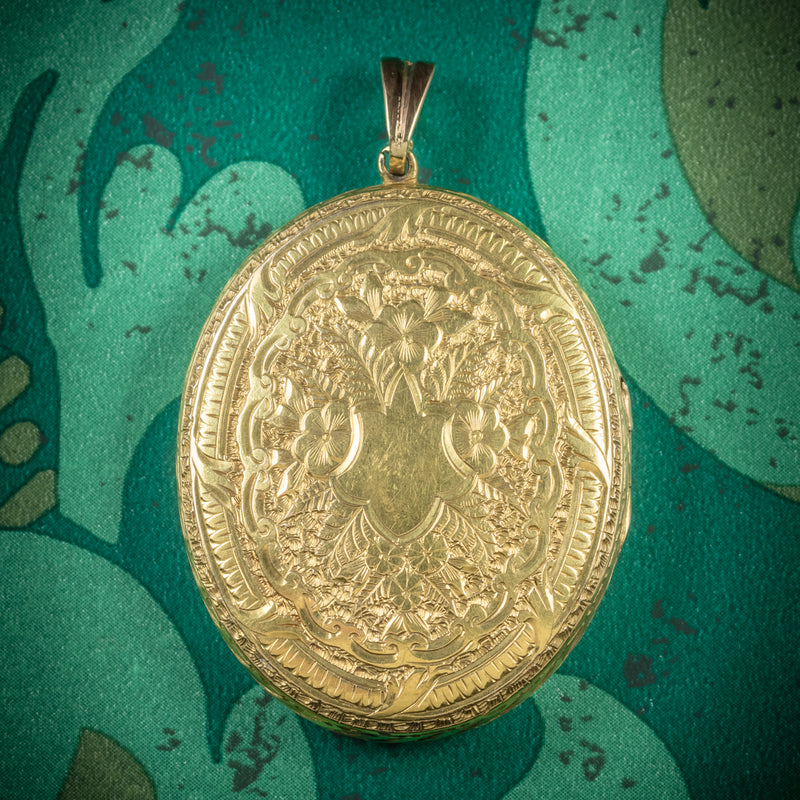 Antique Victorian 9ct Gold Locket Circa 1900 cover