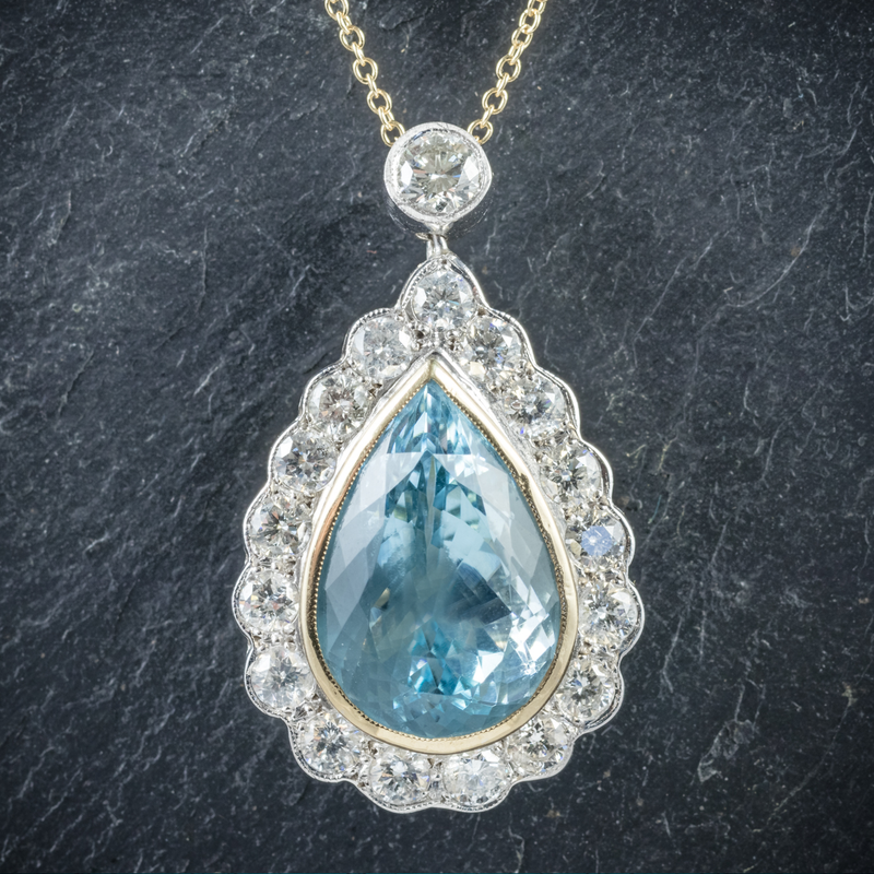 Aquamarine Diamond Pendant Necklace 18ct Gold Close Up