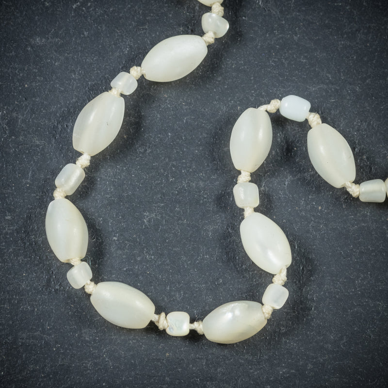 Mother Of Pearl Pendant Necklace Silver beads