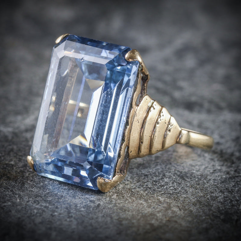 BLUE TOPAZ COCKTAIL RING 9CT GOLD CIRCA 1940 SIDE