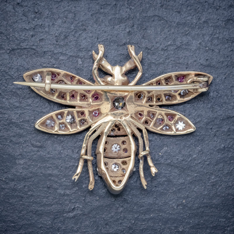 DIAMOND BEE BROOCH 18CT GOLD RUBY EYES 3CT OF DIAMOND BACK