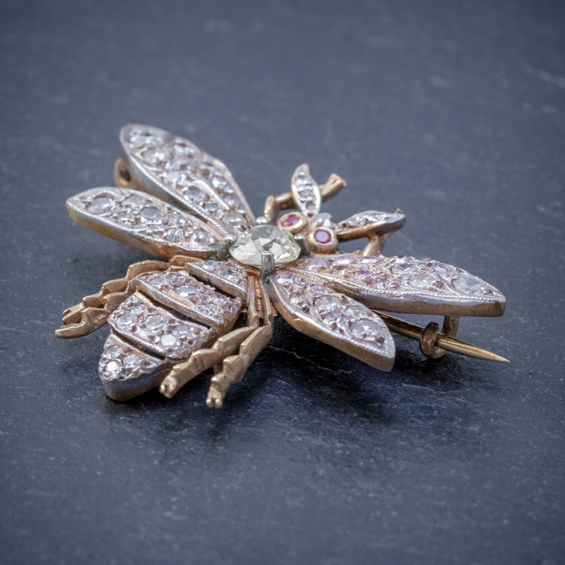 DIAMOND BEE BROOCH 18CT GOLD RUBY EYES 3CT OF DIAMOND SIDE