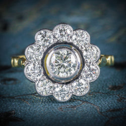 DIAMOND CLUSTER RING 18CT GOLD 0.70CT CENTRE DIAMOND cover