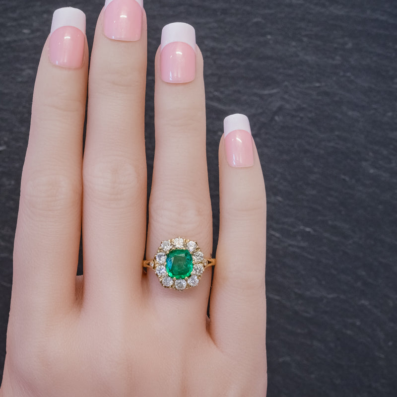 EMERALD DIAMOND CLUSTER RING 2CT EMERALD 1.50CT DIAMOND 18CT GOLD HAND