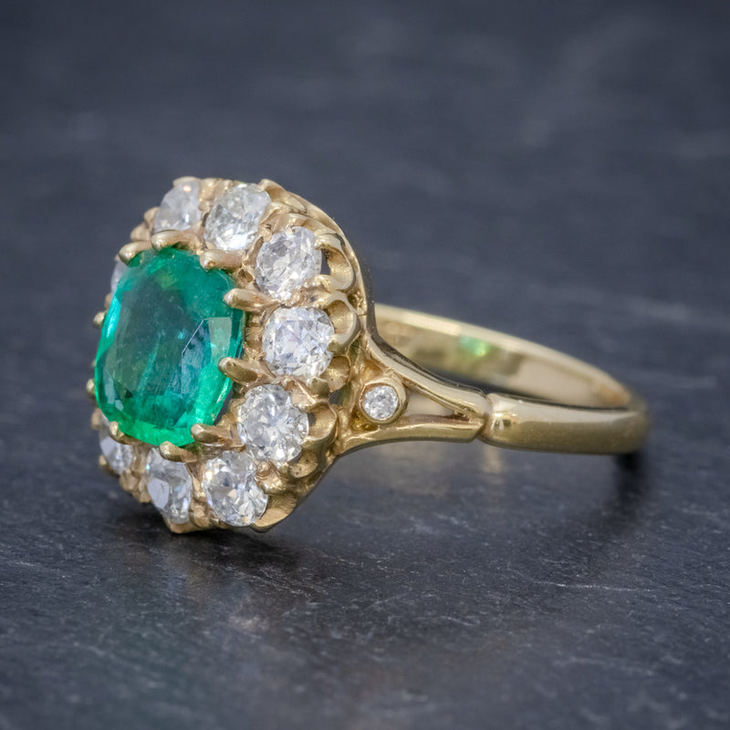 EMERALD DIAMOND CLUSTER RING 2CT EMERALD 1.50CT DIAMOND 18CT GOLD SIDE