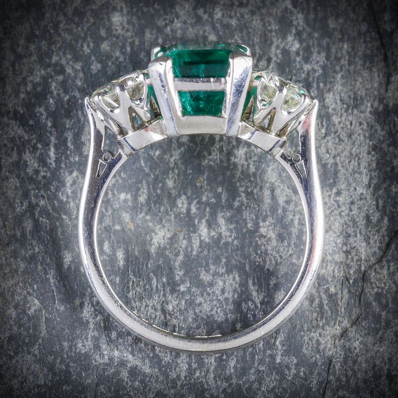 EMERALD DIAMOND TRILOGY RING 18CT GOLD DATED 1976 TOP