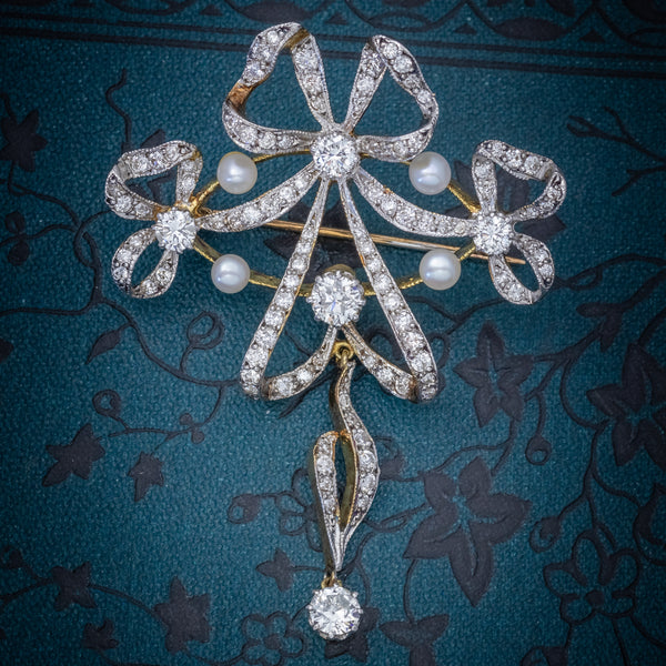 Garland 3ct Diamond Pearl Brooch 18ct Gold  COVER