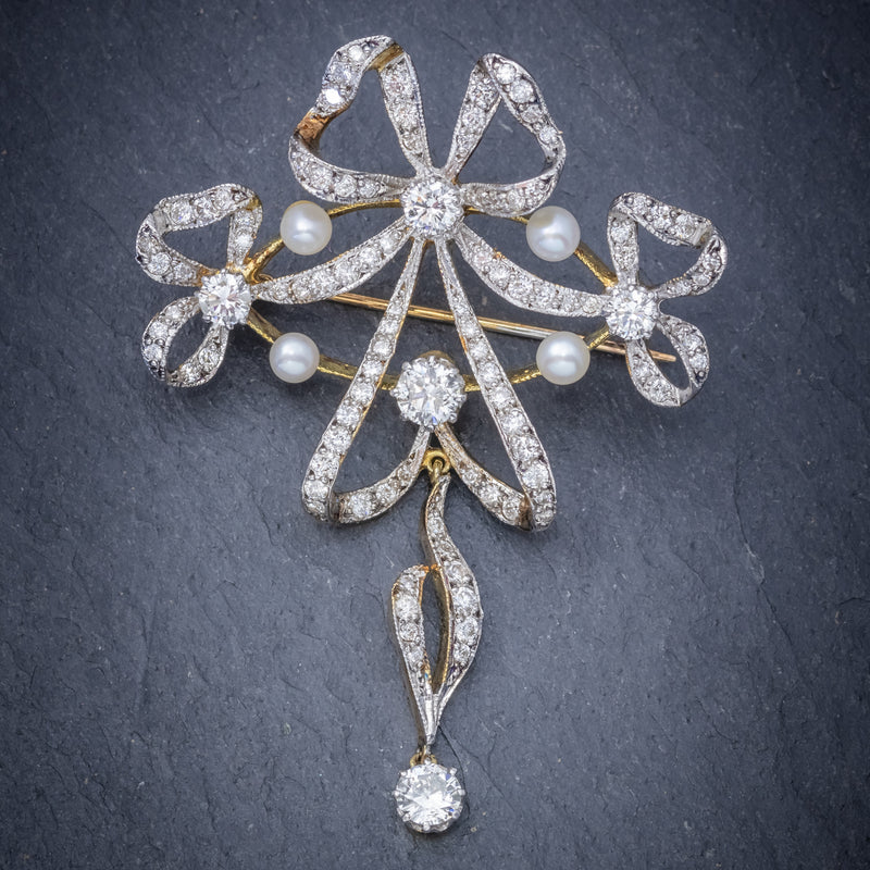 Garland 3ct Diamond Pearl Brooch 18ct Gold  FRONT