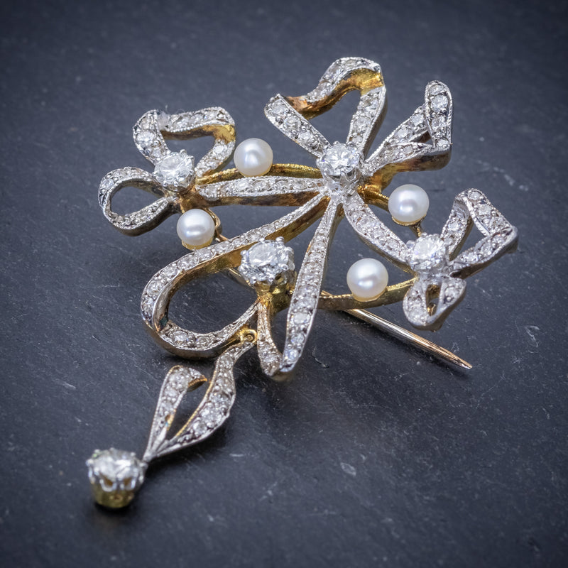 Garland 3ct Diamond Pearl Brooch 18ct Gold  SIDE