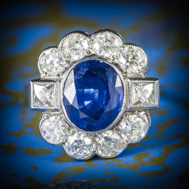 SAPPHIRE AND DIAMOND RING 18CT WHITE GOLD 2.80CT SAPPHIRE COVER