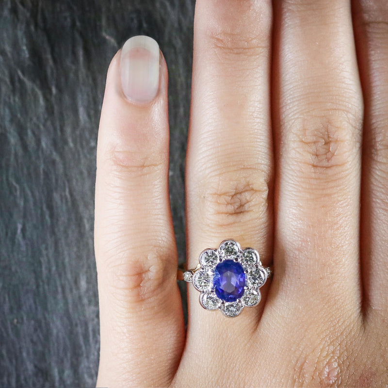 SAPPHIRE DIAMOND RING CLUSTER 18CT GOLD RING HAND