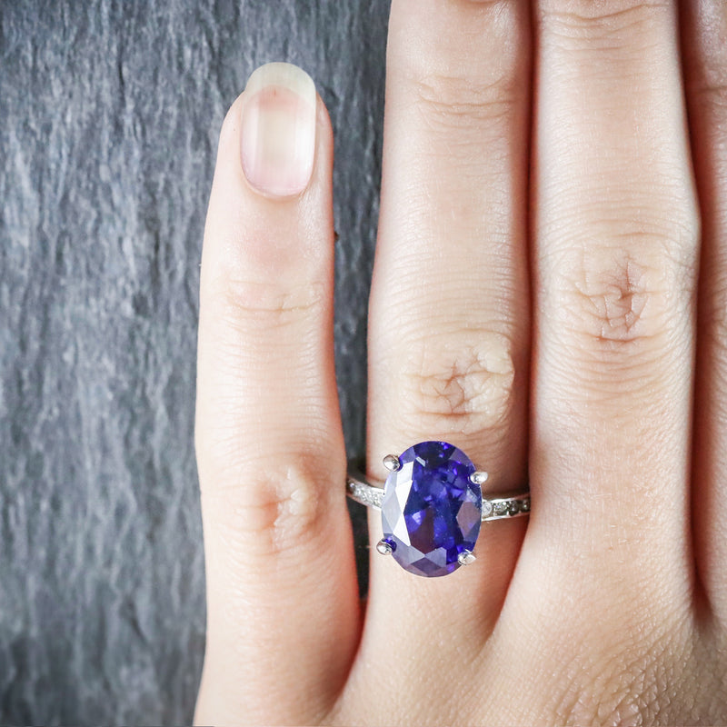 TANZANITE PASTE LARGE SOLITAIRE RING 18CT GOLD SILVER HAND