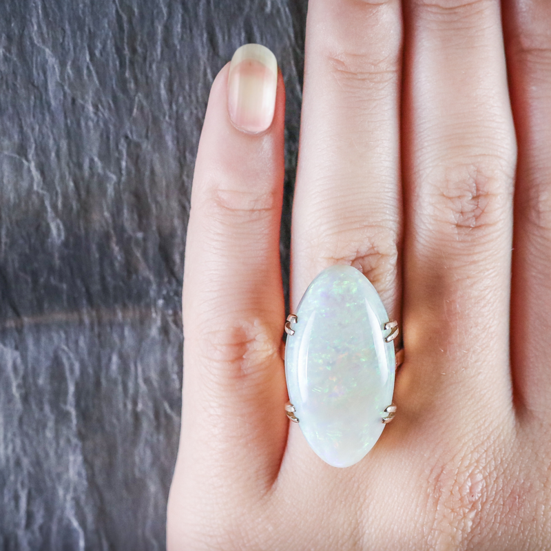 VICTORIAN MAGNIFICENT LARGE 20CT NATURAL OPAL GOLD RING ON HAND