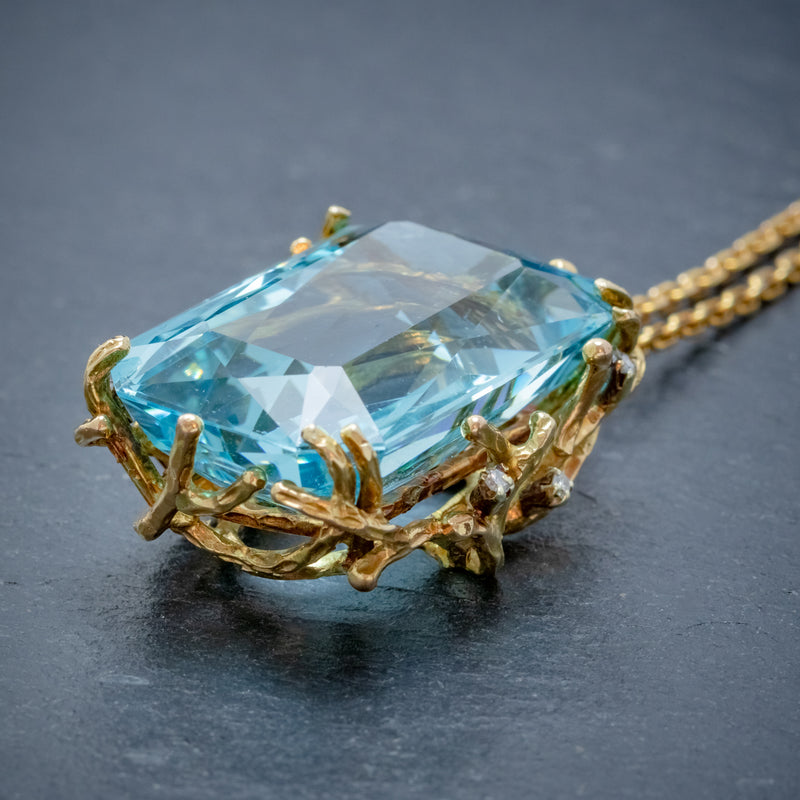 VINTAGE AQUAMARINE DIAMOND PENDANT NECKLACE 18CT GOLD 42CT SCISSOR CUT AQUA SIDE1