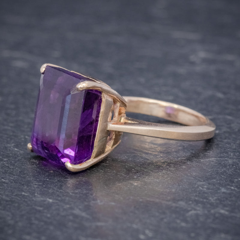 VINTAGE 6CT EMERALD CUT AMETHYST RING 9CT GOLD CIRCA 1960 SIDE