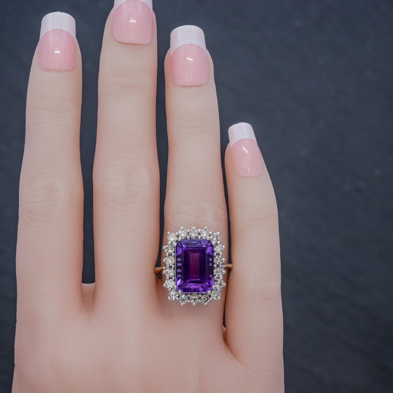 VINTAGE AMETHYST CLUSTER RING 18CT GOLD CIRCA 1950 HAND