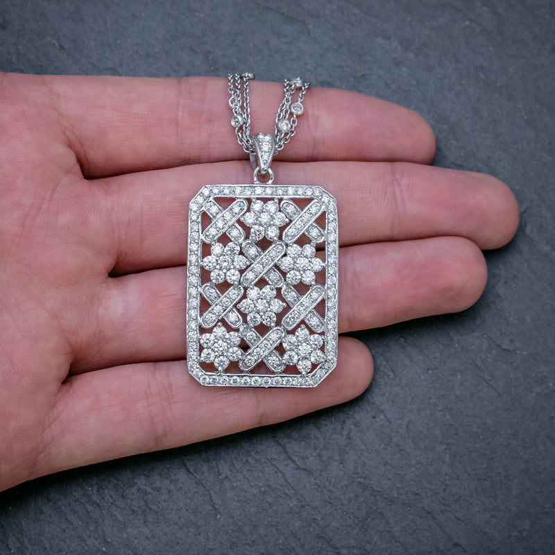 VINTAGE DIAMOND PENDANT NECKLACE 18CT WHITE GOLD CHAIN 8CT OF DIAMOND CIRCA 1970 HAND