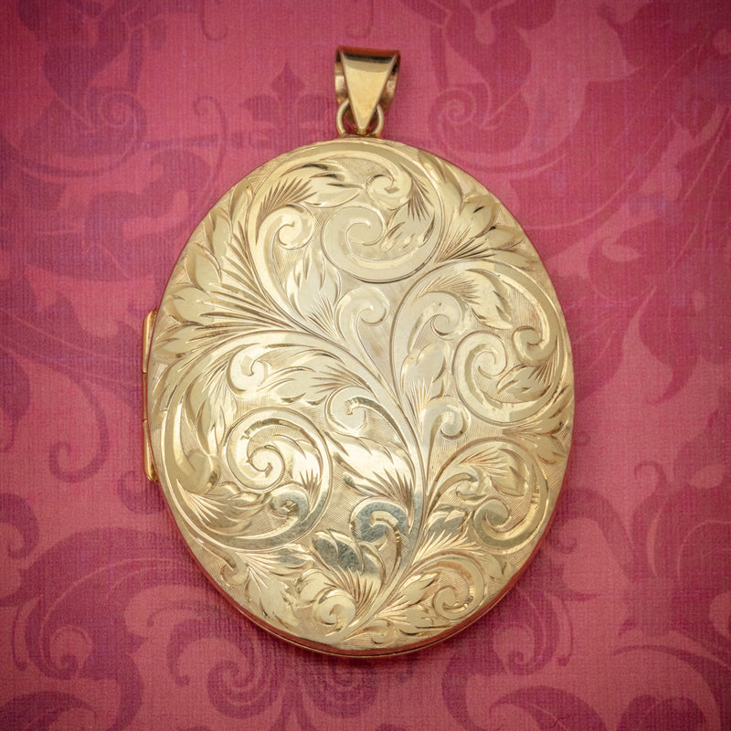 Vintage Engraved Locket 18ct Gold On Silver Dated 1977 Silver Jubilee  COVER