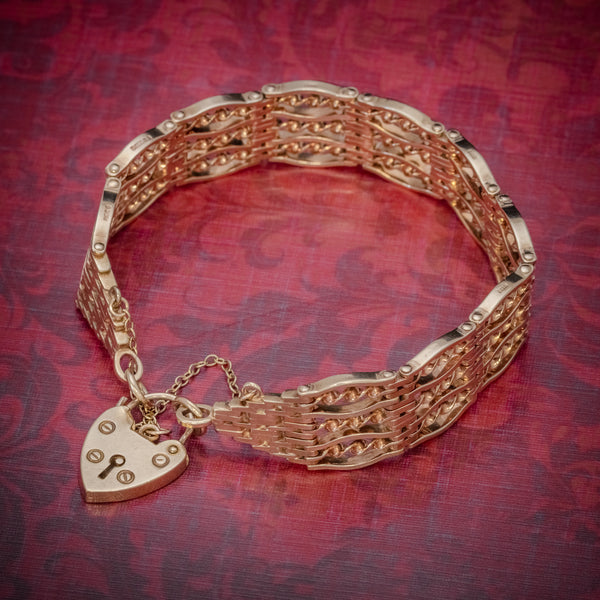 Vintage Gate Bracelet 9ct Gold Heart Padlock Circa 1965 COVER