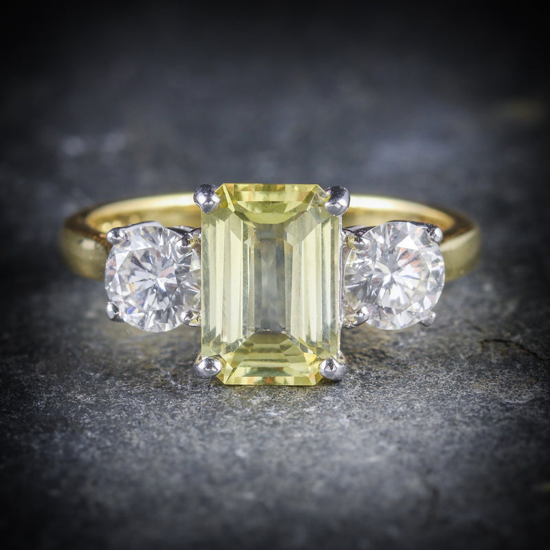 YELLOW SAPPHIRE DIAMOND RING 18CT GOLD EMERALD CUT SAPPHIRE FRONT
