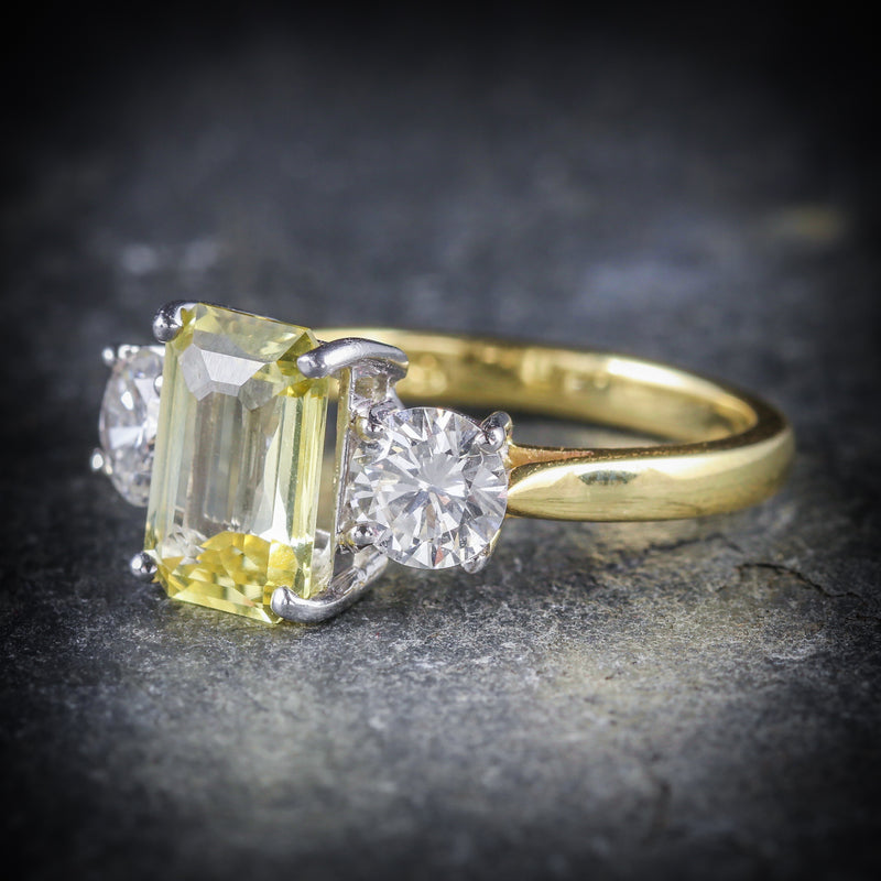 YELLOW SAPPHIRE DIAMOND RING 18CT GOLD EMERALD CUT SAPPHIRE FRONT SIDE
