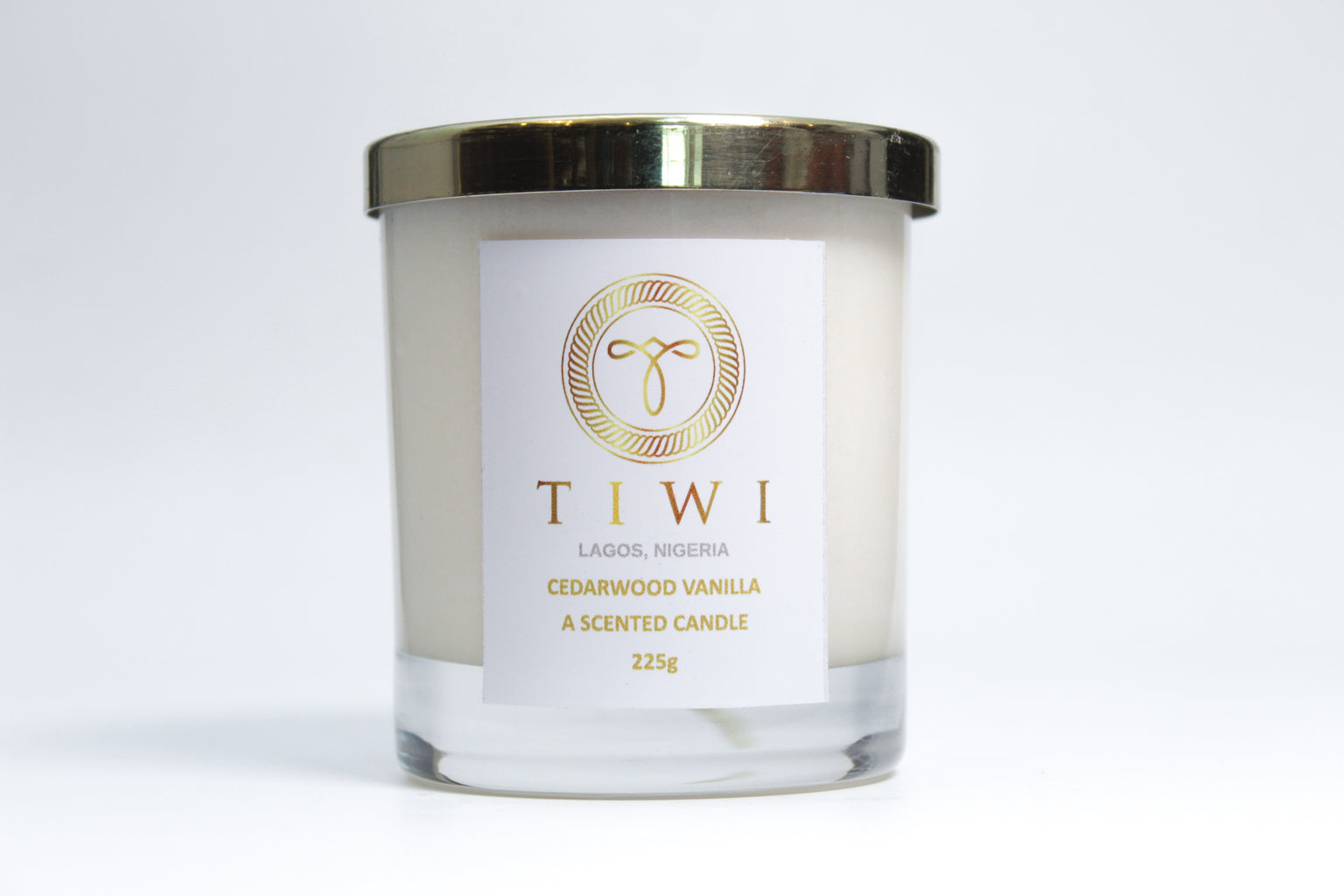 TIWI Cedarwood Vanilla - A Scented Candle