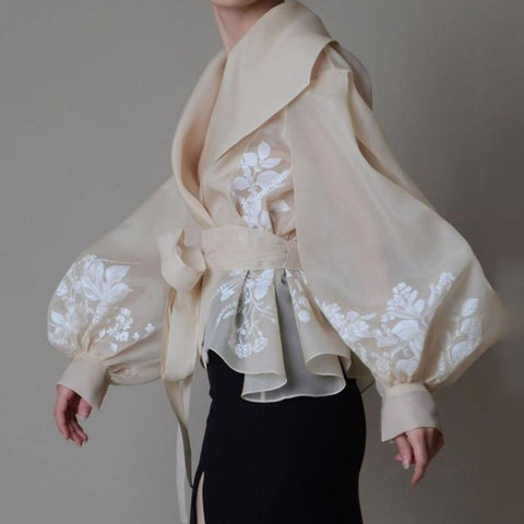 Elegant Flower Lantern Sleeve Shirt