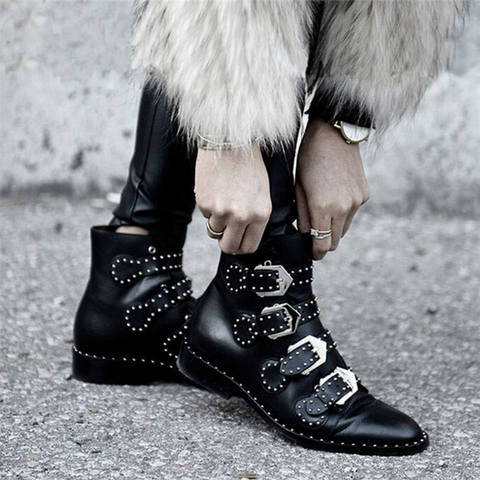 Fashion Rivet Sharp Head Short Boots