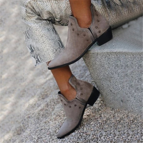 fashion rivet pointed thick heel boots